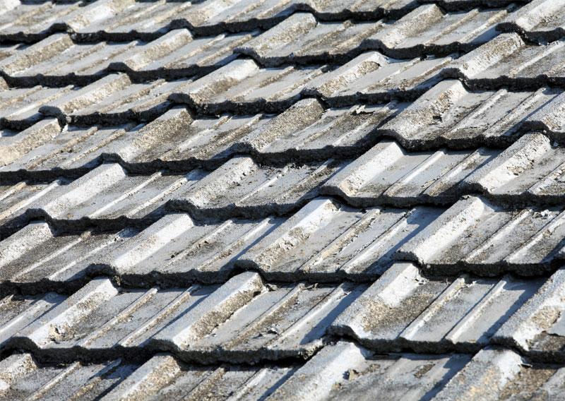 八千代の屋根塗装・菅野建装_劣化した屋根イメージ